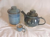 blue hare-fur glaze storage jar, teapot (~3pt) and small cup